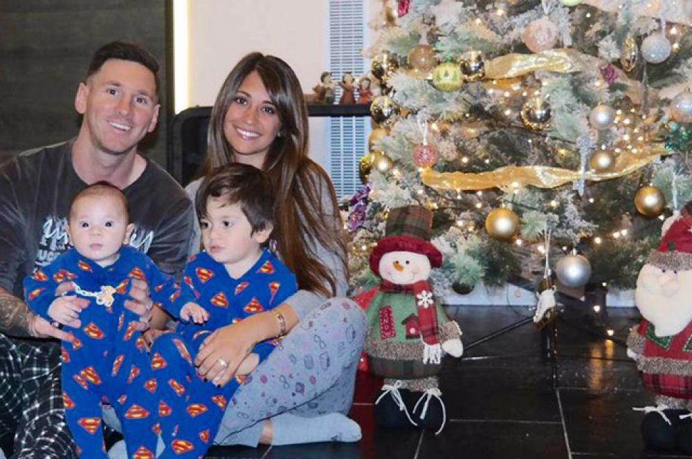 11 сентября аргентинский футболист Лионель Месси и модель Антонелла Рокуццо стали родителями. У пары родился второй сын Матео.