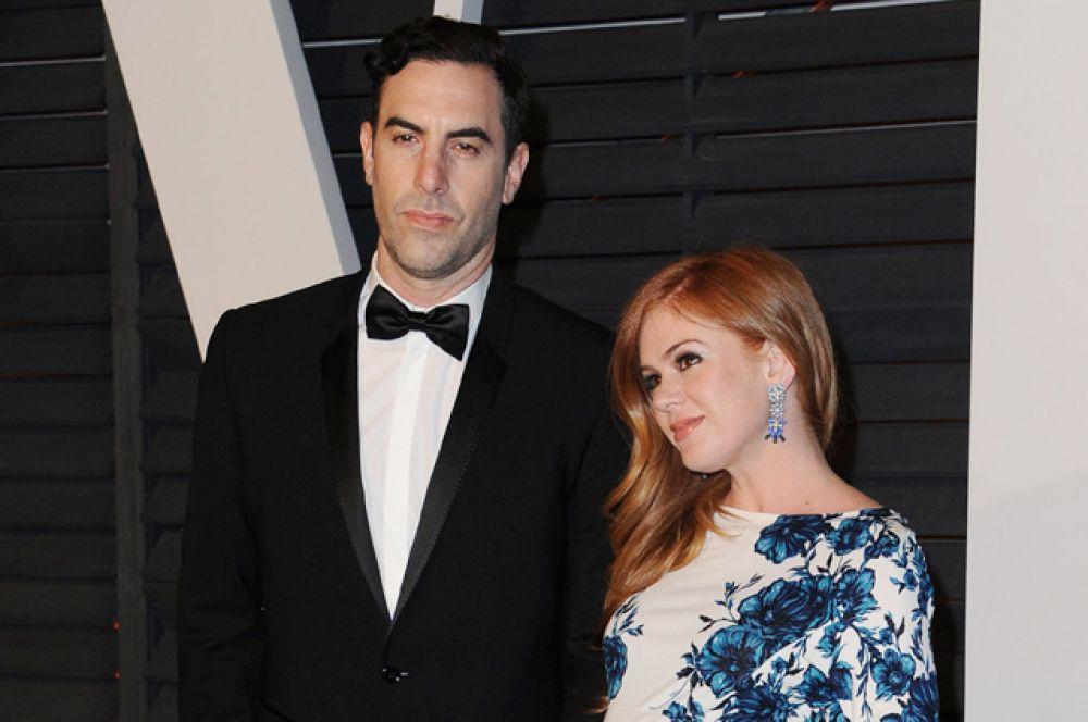 17 марта стали родителями британский актер Саша Барон Коэн и актриса Айла Фишер. У пары родился третий ребенок, сын – Монтгомери Мозес Брайан Барон Коэн.