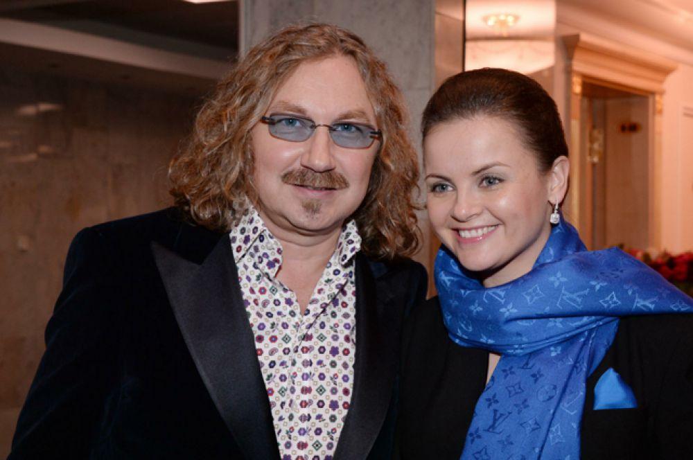 8 октября стал отцом композитор и певец Игорь Николаев. Его третья жена певица Юлия Проскурякова родила дочь Веронику.