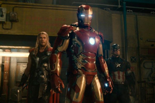 Мстители: Эра Эльтрона. Этот фильм о супергероях, основанный на одноимённых комиксах, принёс своим создателям почти 1,5 миллиарда долларов.