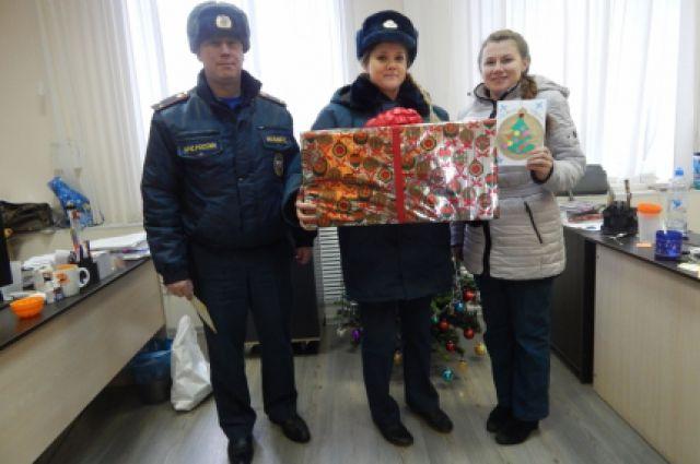 Новогоднее желание второклассника исполнили спасатели