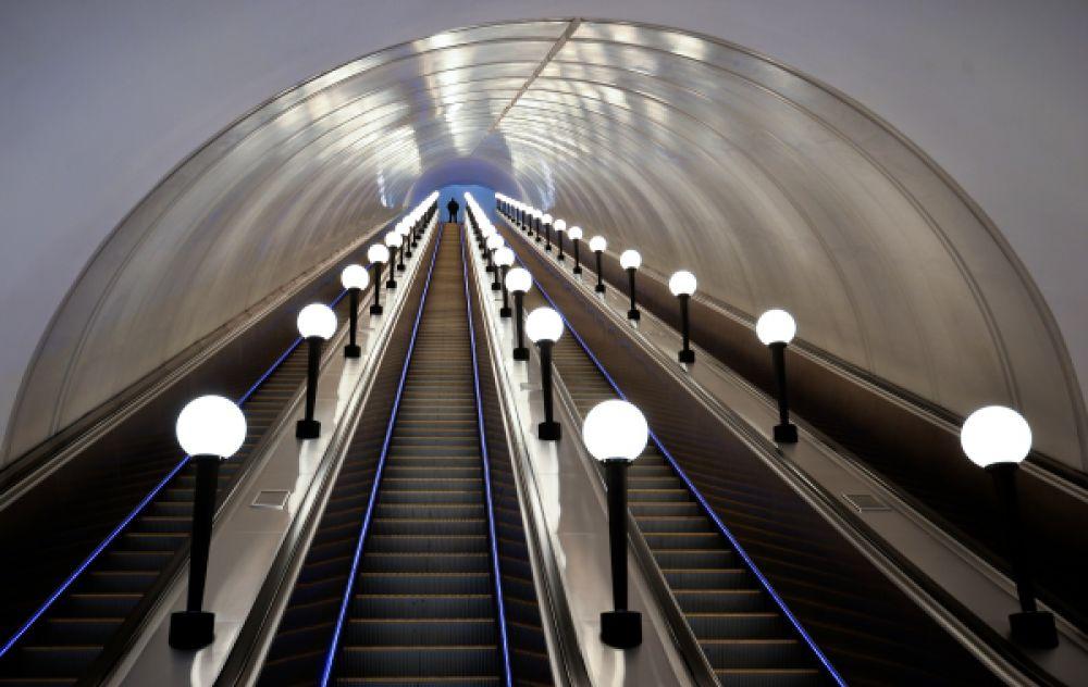После ремонта число эскалаторов на станции увеличилось до четырёх.