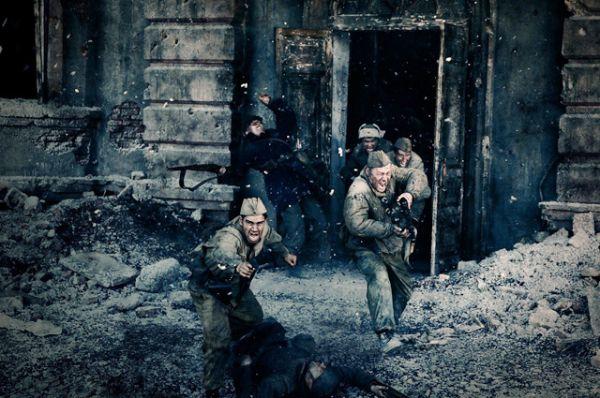 На седьмом месте «Сталинград» Фёдора Бондарчука, вышедший в 2013-м. Картина собрала в прокате рекордные $68 млн, в то время как затраты на производство фильма составили $30 млн.