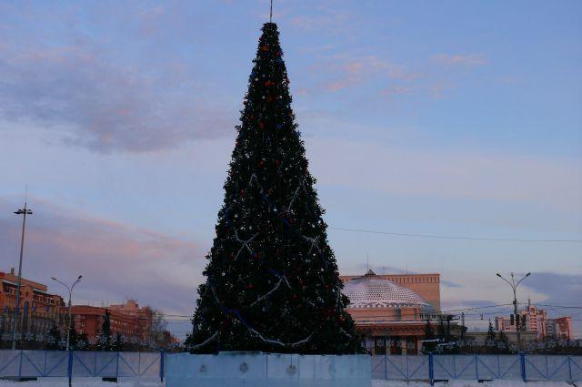 Елка в центре города простоит до 31 января