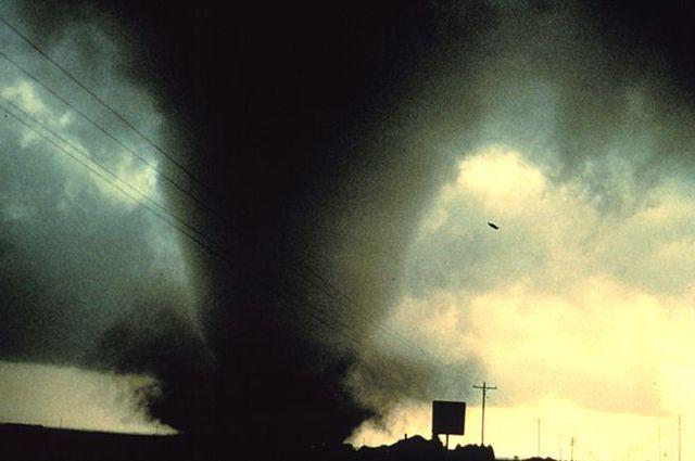 Жертвами торнадо инаводнений вСША стали уже неменее 40 человек