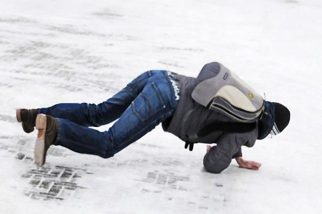 На некоторых улицах ходить удобнее было бы на коньках
