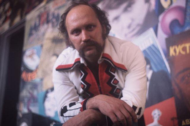 Владимир Мулявин.