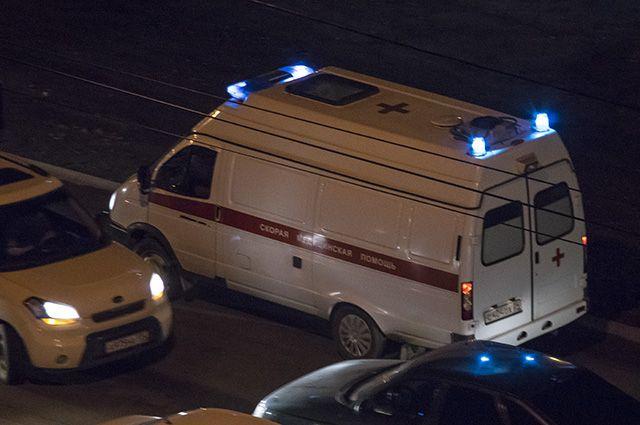 На места дебоша выехала полиция и скорая помощь