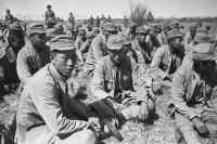 Пленные японские солдаты.