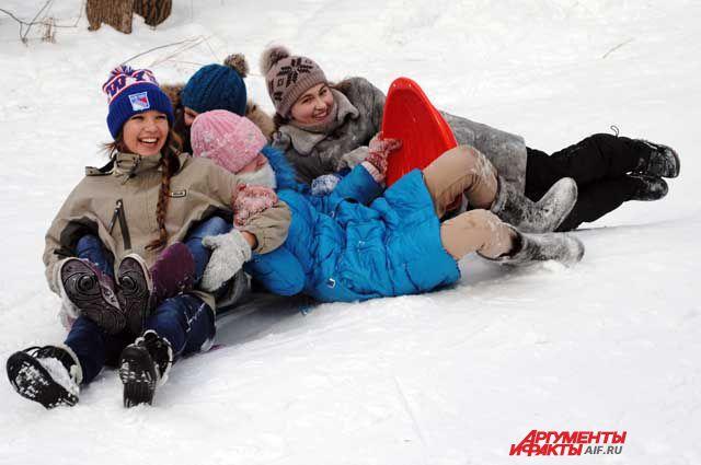 В новогодние каникулы нужно как следует повеселиться и отдохнуть.