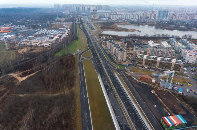 Теперь автомобилистам не придётся стоять в долгих очередях на железнодорожном переезде.