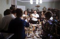 За праздничным новогодним столом. 1971 год.