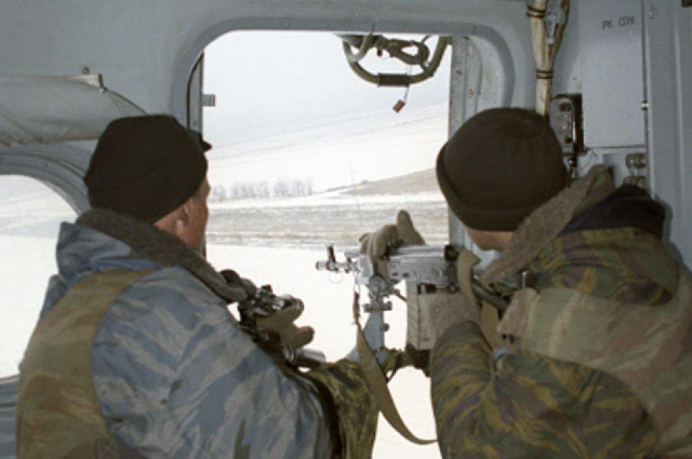 13 января российский спецназ начал атаку на Первомайское. 36 сотрудников дорожно-патрульной службы из Новосибирска добровольно согласились стать заложниками террористов в обмен на освобождение женщин и детей.