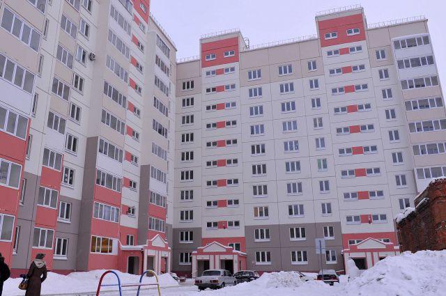 На приобретение квартир из бюджета направлено 24,4 млн рублей.