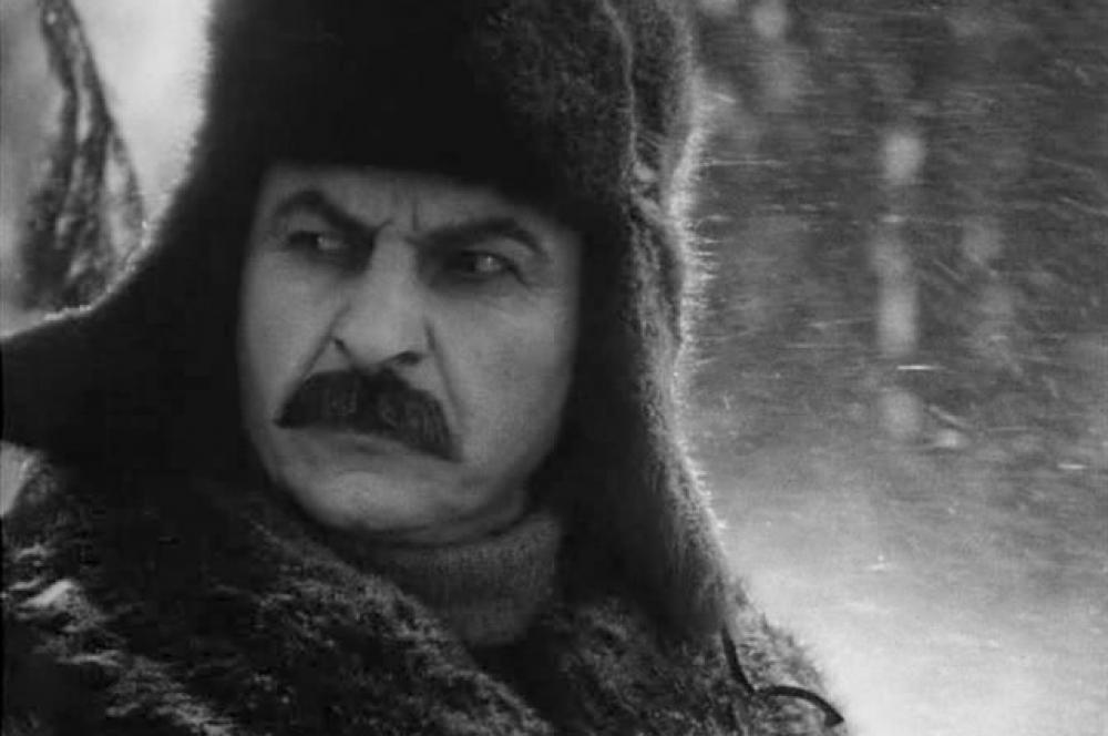 В советском кино вождя играли многие актёры, но, пожалуй, чаще всего эта роль доставалась Михаилу Геловани. На фото: актёр в фильме «Клятва» (1946).