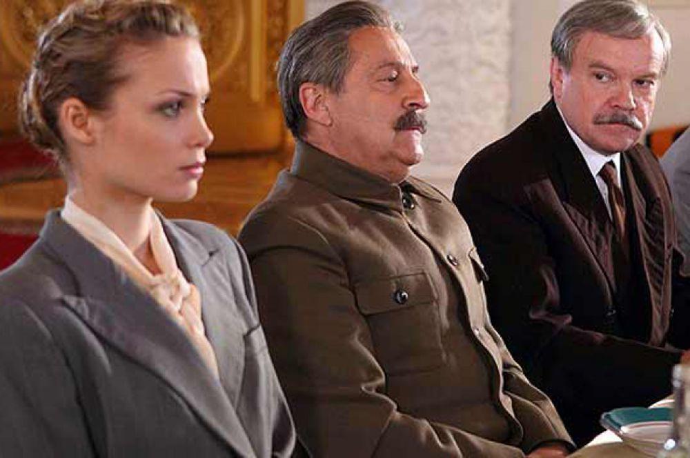 В 2011 году роль Сталина в картине «Фурцева» исполнил Геннадий Хазанов.