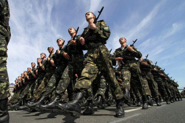 20:50 30/12/2015 20 За год на службу в ВСУ поступили 16 тысяч контрактников Было сформировано 15 бригад один полк и пять батальонов