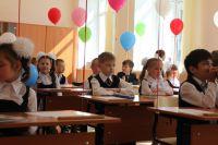 Пока во многих школах области дети учатся в две смены
