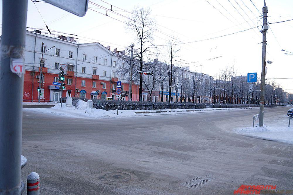 Перекрёсток Советской и Комсомольского проспекта.