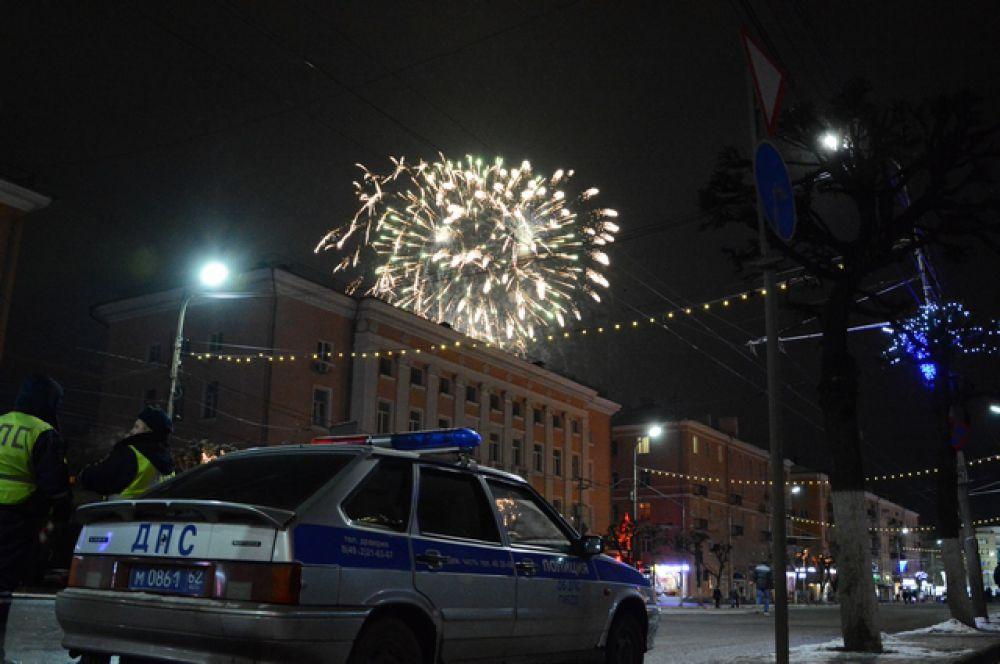 Более двух тысяч полицейских работали в новогоднюю ночь в Рязани