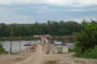 Вид у построенного моста, в общем-то, неприглядный.