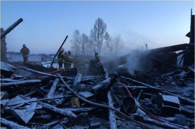 Губернатор Ярославской области направился наместо крупного пожара впоселке Песочное