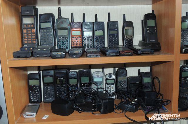 Грабители забрали дорогие телефоны.