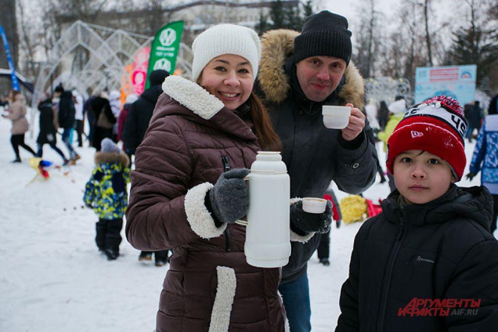 Несмотря на морозный день, участников Парада снеговиков было много