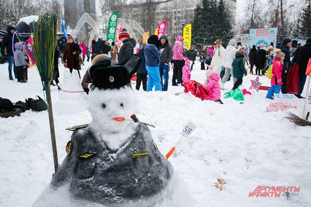 Полицейский снеговик.