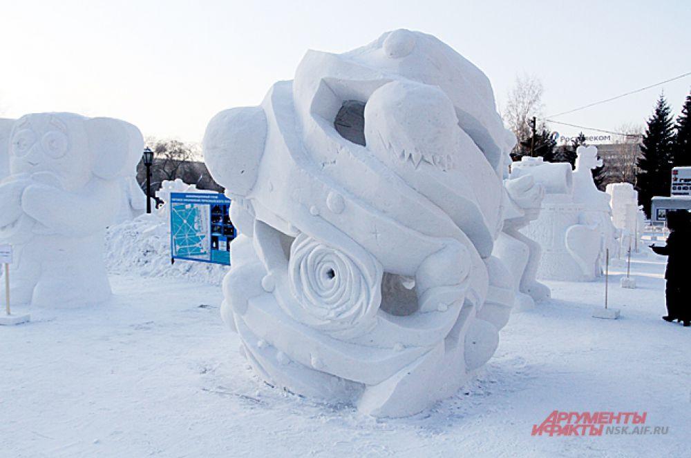 Третье место заняла команда из Новосибирска, которая представила фигуру «Космос».