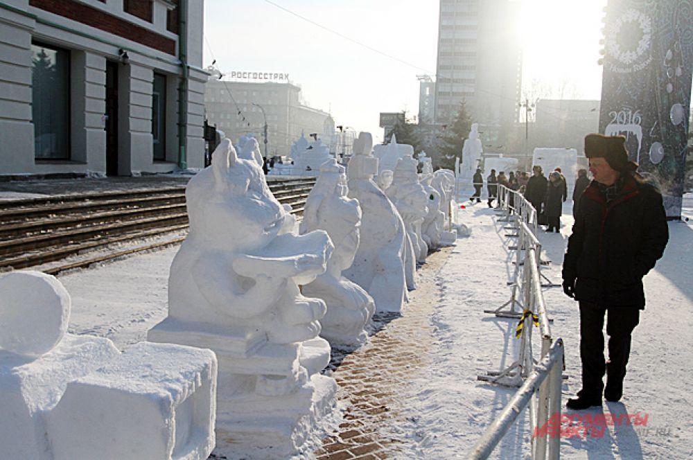 Век снежных фигур не долговечен, их разрушат в конце января.