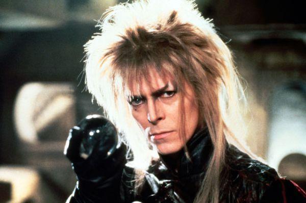 1986 год. Боуи добился признания в том числе и как киноактёр; среди самых известных его ролей — инопланетянин Томас Джером Ньютон в «Человеке, который упал на Землю», вампир Джон в «Голоде», король гоблинов Джарет в «Лабиринте» (на фото).