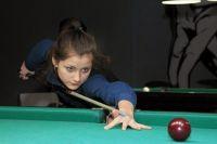 15-летняя калининградка Арина Бачинскас выиграла «серебро» на первенстве России по бильярду.