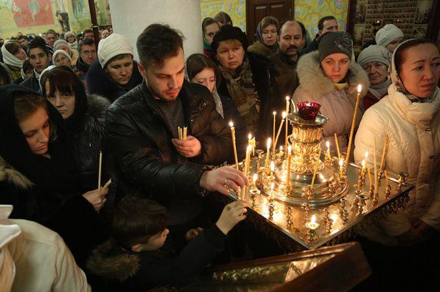 В праздники в храмах Екатеринбурга всегда многолюдно.