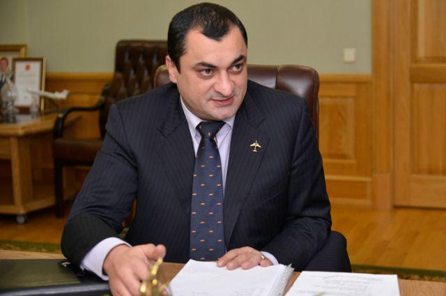 Директор брянского аэропорта Илья Рохвадзе.
