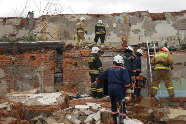 Здание бывшего мясоконсервного комбината обрушилось на рабочих