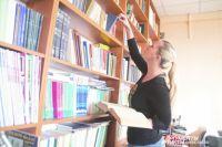 В зрелом возрасте сформировать привычку читать трудно, но можно заинтересовать человека книгой.
