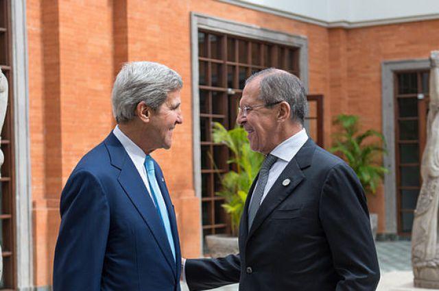 Руководителя внешнеполитических ведомствРФ иСША выделили значимость выполнения Минских договоренностей