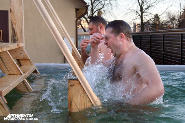 Крещенские купания в Калининграде.