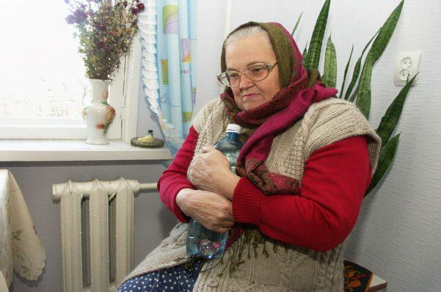 Жители квартир говорят, что иногда по ночам бывает так холодно, что приходится кипятить воду, чтобы согреться.