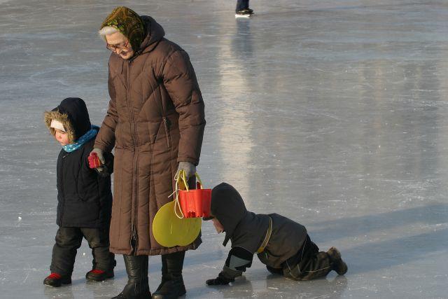 В Омской области в 2016 году прожиточный минимум пенсионера составляет 8 217 рублей.