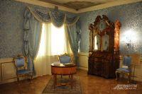 В Коломенском, в одном из залов дворца царя Алексея Михайловича, можно почувствовать себя особой императорских кровей.