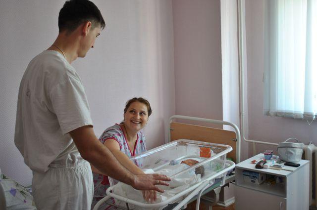 Позитивная тенденция в рождаемости сохраняется в НСО уже четвертый год