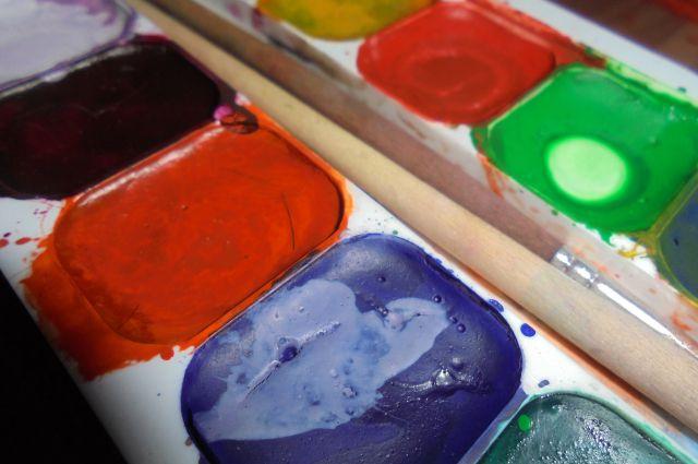 Художники предлагают нарисовать виртуальную картину.