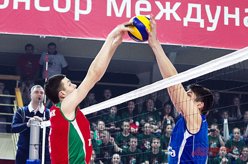 Кто победит на первенстве решала сыгранность команды и подготовка игроков.