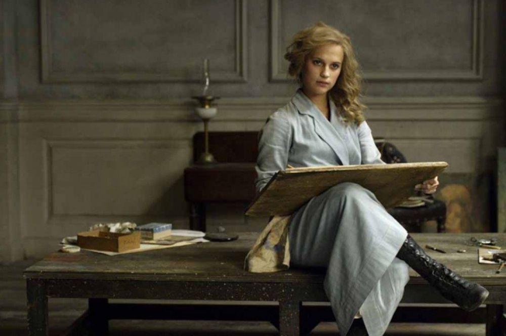 Награды за роли второго плана получили Алисия Викандер, снявшаяся в фильме «Девушка из Дании»,