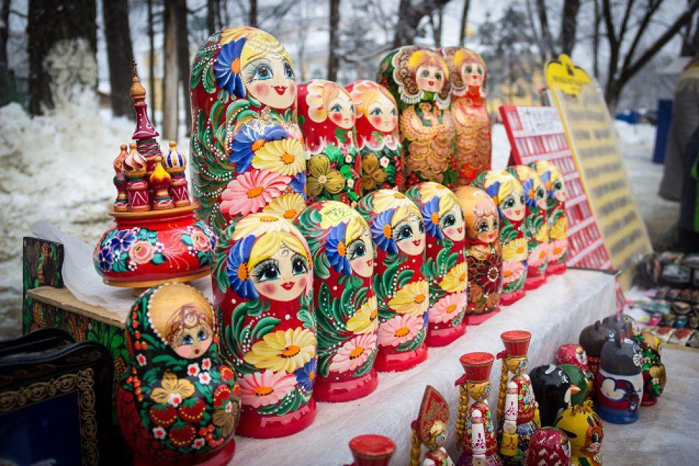 Самые русские сувениры.