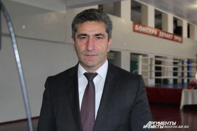Министр спорта Ростовской области Самвел Аракелян.