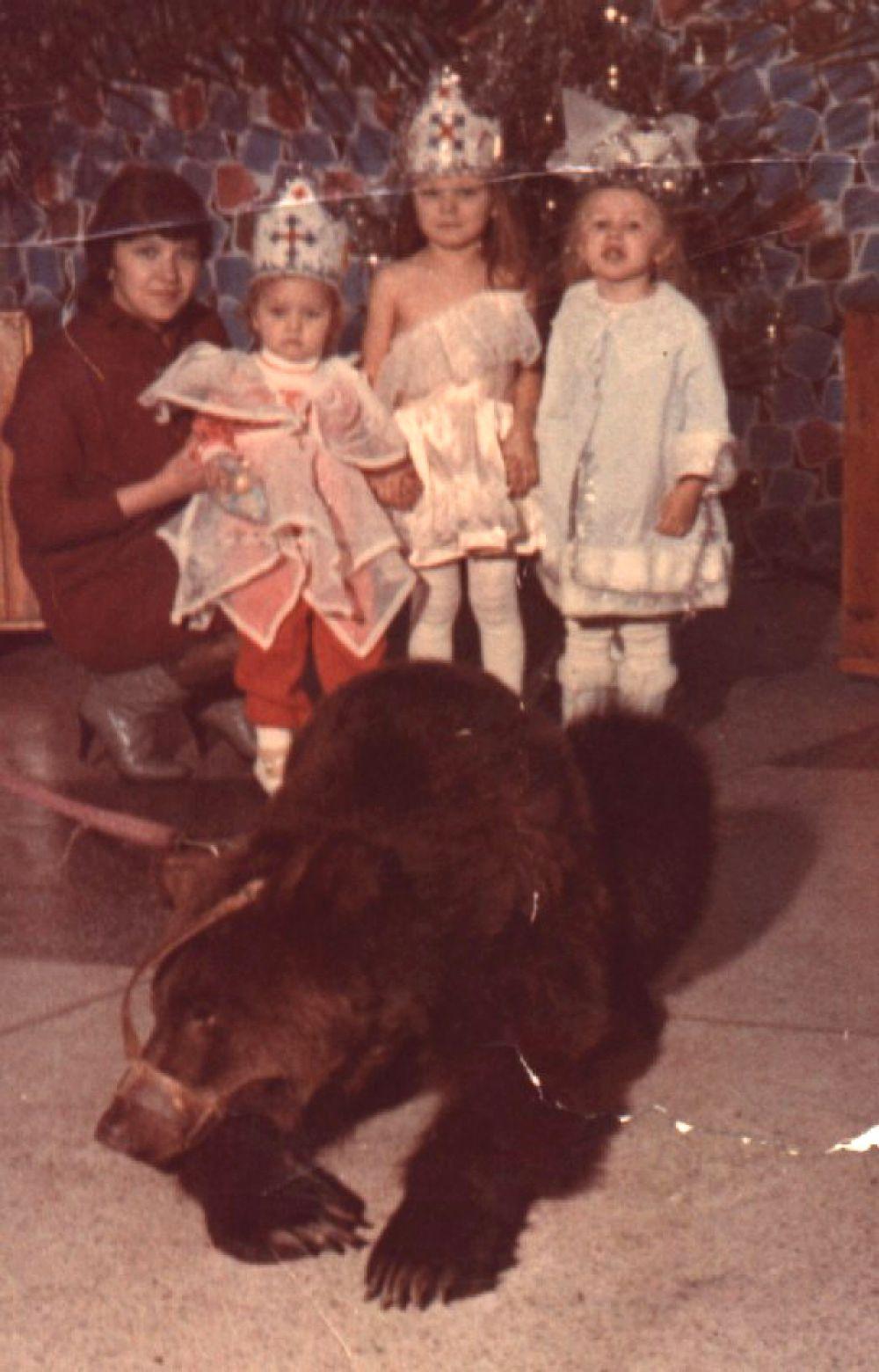 Участник №6. Сестры Алена, Оксана и Ира. 1992 год.