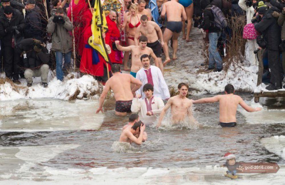 Крещение в Феофании